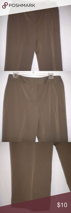 """Alfani Women Size 12 Olive Brown Dressy Capris Barely Worn. Alfani Women Size 12 X 21"""" Inseam Dressy Capris. Olive Brown.  Zipper with an inside metal closure and anchor button.  Two back slit loop buttoned pockets.  Made of 57% Viscose, 40% Polyester and 3% Spandex. Waist approximately 34 inches measuring all the way around, lying flat approximately 17 inches for a total of approximately 34 inches, front rise approximately 11 inches and bottom of leg lying flat approximately 10 inches for a…"""