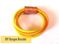 Thanks, I Made It: DIY Bungee Cord Bracelet - it looks so good Macrame Bracelet Diy, Cord Bracelets, Ankle Bracelets, Bangles, Do It Yourself Jewelry, Make Your Own Jewelry, Diy Jewelry, Jewelry Making, Jewelry Ideas