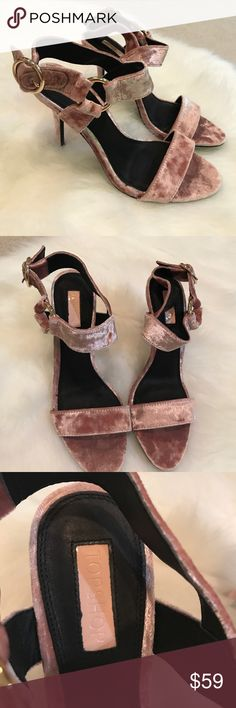 """NWT Topshop velvet blush pink stiletto heels sz7.5 Brand new Topshop velvet blush pink stiletto heels. Size 7.5. Approximately 4""""heel. Adjustable gold ring strap. Velvet is all the rage this season. No Trades. 700+ items sold with perfect 5 star rating! Topshop Shoes Heels"""