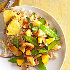 Relax and enjoy the taste of summer in these easy recipes, including chicken stir-fry, fish tacos, barbecue chicken, pasta, homemade pizza and main-dish salads.
