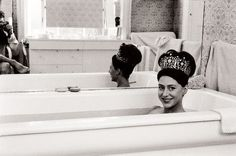 Princess Margaret - tiaras in the tub: Why isn't this my life?????