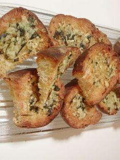 PAIN À L'AIL ET HUILE D'OLIVE - Du pain avec un mélange d'ail et huile d'olive pour être servi en apéritif ou en accompagnement d´un repas.