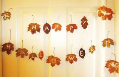 Rustic Halloween Bunting out of leaves (This would be good to do for Thanksgiving as well) Halloween Bunting, Theme Halloween, Funny Couple Halloween Costumes, Rustic Halloween, Halloween 2013, Holidays Halloween, Halloween Crafts, Happy Halloween, Halloween Ideas