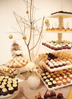 love the cupcake stand