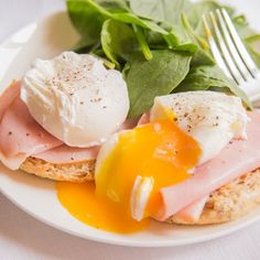 Tips on how to perfect poaching eggs.