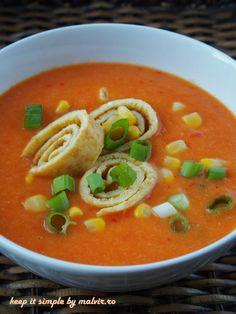 Dintre multe alte retete de supa mexicana, aceasta supa este usoara si foarte simplu de preparat. Este o supa vegana acrisoara, cu gust de ardei in care, daca doriti, puteti adauga rondele de omlet… Doritos, Thai Red Curry, Ethnic Recipes, Food, Mexican, Eten, Meals, Diet
