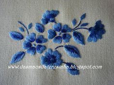 Embroidery Flowers Pattern, Flower Embroidery Designs, Creative Embroidery, Simple Embroidery, Embroidery Transfers, Hand Embroidery Stitches, Crewel Embroidery, Vintage Embroidery, Embroidery Techniques