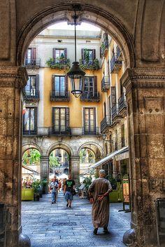 Plaça Reial, Barcelona. Photo by Anna F. Google+