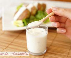 salsa de yogurt Kebab - Receta original de myTaste Sandwich Cubano, Salsa Barbacoa Casera, Yogurt, Recipe For Mom, Sauce, Glass Of Milk, Good Food, Fun Food, Vegan Recipes