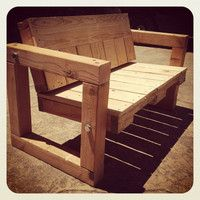 Items similar to Pallet Bench - Upcycled Patio Furniture on Etsy Pallet Chair, Wood Pallet Furniture, Recycled Furniture, Furniture Projects, Wood Pallets, Painted Furniture, Diy Furniture, Pallet Benches, Pallet Tables