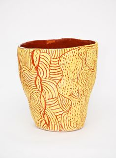 Australian Indigenous Artist Carlene Thompson's ceramic pot. . She started painting in 2007 and then went on ceramics. with a residency at Adelaide's Jam Factory. Her daughter Vivian is a noted ceramist, and two of her four girls are painters.