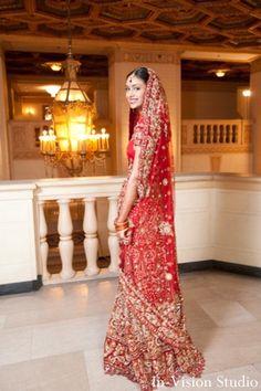 indian-wedding-ceremony-lengha-red-gold-maharani