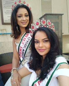 Tiara girls Shweta A Chaudhary  Mrs India Earth 2017 and Dr Sonal Parihar  Mrs India Earth 2017 Classic.