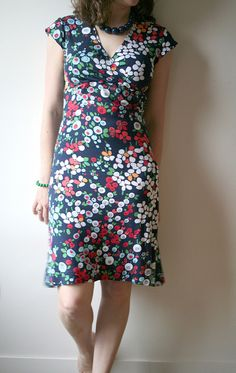Burda 7828 - tips : het altijd perfect vallende kleedje -)