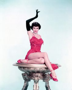 American actress and dancer Cyd Charisse in a publicity shot for Vincente Minnelli's musical 'The Band Wagon', in which she stars with Fred Astaire, Golden Age Of Hollywood, Vintage Hollywood, Hollywood Glamour, Classic Hollywood, Hollywood Stars, Hollywood Cinema, Love Vintage, Vintage Glamour, Vintage Beauty
