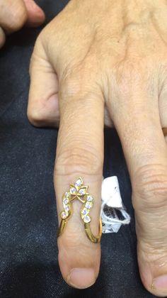 Antique Jewellery, Gold Jewellery, Gemstone Jewelry, Beaded Jewelry, Jewelry Rings, Gold Ring Designs, Gold Bangles Design, Jewellery Designs, India Jewelry
