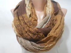 gorgeous infinity scarf!