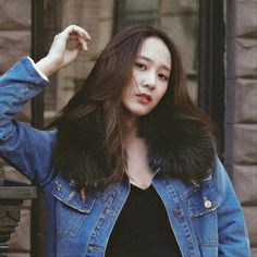 f(x) Krystal Fx, Jessica & Krystal, South Korean Girls, Korean Girl Groups, Krystal Jung Fashion, Best Photo Poses, Girl Crushes, Woman Crush, Ulzzang Girl