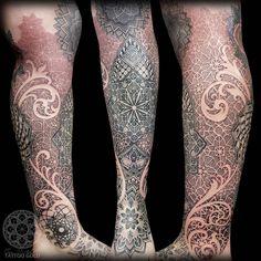 Mosaic lower leg sleeve complete!   Half fresh half healed.   @hushanesthetic @killerinktattoo @hustlebutterdeluxe Tattoo shared by coenmitchell