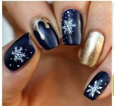 Incredible 33 Winter Nail Art Designs – The Best Nail Designs – Nail Polish Colors & Trends Holiday Nail Art, Christmas Nail Art Designs, Winter Nail Art, Winter Nail Designs, Cute Nail Designs, Winter Nails, Christmas Design, Gel Nails For Fall, Xmas Nail Art