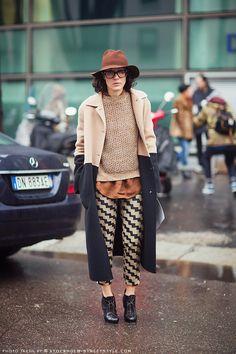 Stockholm Street Style The coat. Fashion Moda, Look Fashion, Street Fashion, Womens Fashion, Fall Fashion, Milan Fashion, Street Look, Street Chic, Stockholm Street Style