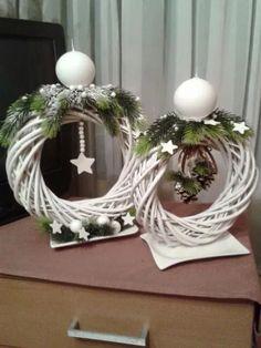 The modern wreath of eucalyptus wine Scandinavian wreath Christmas Swags, Holiday Wreaths, Simple Christmas, Christmas Time, Christmas Ornaments, Holiday Decor, Christmas Door, Crochet Christmas, Homemade Christmas