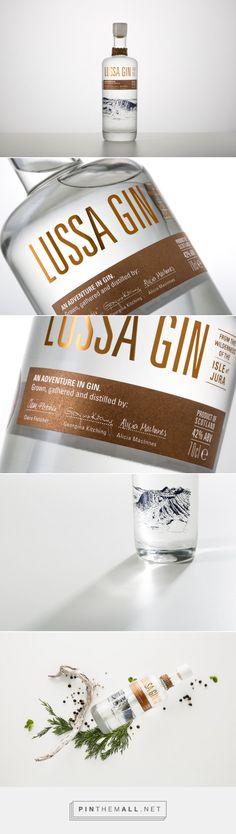 Lussa Gin - Packaging of the World - Creative Package Design Gallery - http://www.packagingoftheworld.com/2016/12/lussa-gin.html