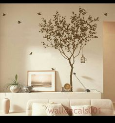Simple tree design with birds