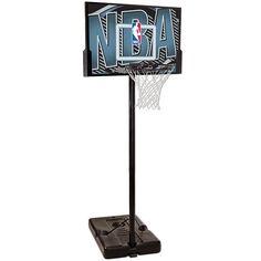 Canasta portable de gama básica, con base para dar estabilidad. Ideal para exteriores www.basketspirit.com/Spalding/Canastas-aros-y-tableros-baloncesto