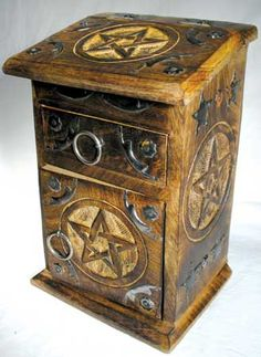 Pentacle Chest of Witchcraft - I have this :)))) soooo love it <3