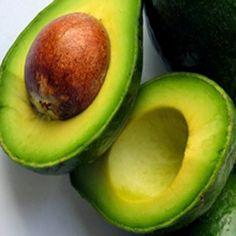Ingredientes :   1 Abacate   1 Fita vermelha   1 Papel com o nome dele (a)   1 Copo de pinga para Zé Pelintra   1 Vela branca   M...