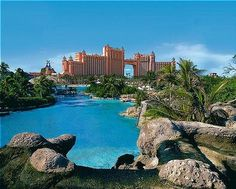 If I were to honeymoon somewhere tropical, it would have to be HERE...  Atlantis.