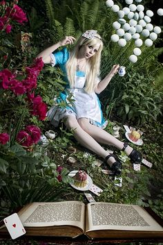 Alice and her drugs by Ophelia-Overdose.deviantart.com