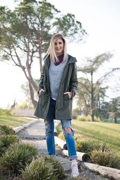 Parka Outfit, Military Jacket, Vest, Sneakers, Jackets, Outfits, Fashion, Tennis, Down Jackets