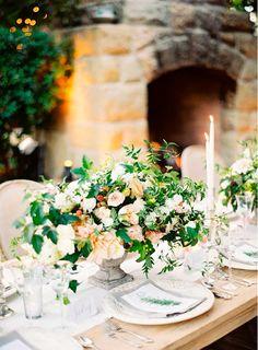 Intime Sommerhochzeit auf der San Ysidro Ranch - Home Page Barn Wedding Centerpieces, Wedding Table Decorations, Wedding Table Settings, Floral Centerpieces, Floral Arrangements, Flower Arrangement, Table Arrangements, Party Centerpieces, Floral Wedding