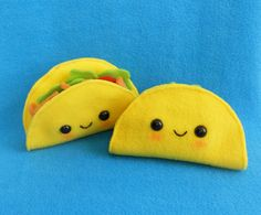 Plushie Tacos - for Darcy. All you need is yellow felt!