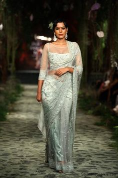 Tarun Tahiliani's collection captivates audience at India Bridal Fashion Week 2012 | Style and Sparkle