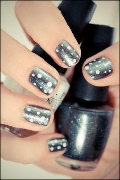 Beauty grey nails!! <3