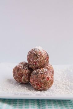 Strawberry Macaroons  (Paleoly's take on Strawberry Hail Merry Macaroons)