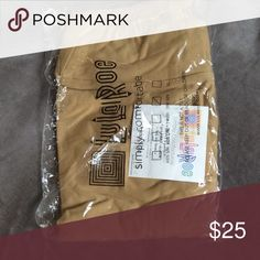 NWT Lularoe OS (one size) Tan/Nude Solid Leggings NWT Lularoe OS (one size) Tan/Nude Solid Leggings - never even taken out of the package! LuLaRoe Pants Leggings