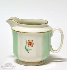Cream jug, Porsgrund Porselen, Design Nora Gulbrandsen, Production year 1927-1935, Modell: 2217 Sugar Bowl, Irene, Blues, Museum, Cool Stuff, Design, Scale Model, Museums
