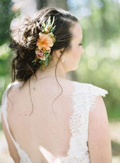 Fresh floral hair comb for the bride. Grown and designed by Love 'n Fresh Flowers.  Photo by Maria Mack Photography.