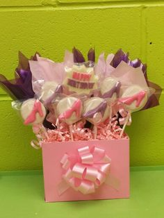 High Heel Shoe Cookie Bouquet. #louisessweets #cookiepops #ediblecookiearrangements