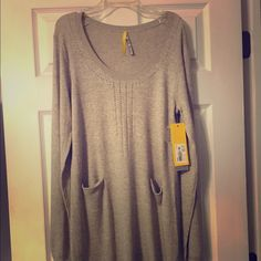 Dress (sweater  dress)  M-cotton/polyester blend Brand new never worn! Looks great with ankle or riding boots ! Scoop neck ! Lole Dresses