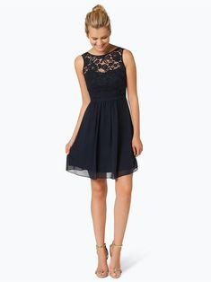 Sukienka na wesele.  Koktajlowa granatowa sukienka Elegancka sukienka koktajlowa marki Marie Lund, z koronkową górą. Kreacja urzeka niebanalnym wzornictwem. W talii zdobiona jest wąskim paskiem. Góra wykonana z półprzezroczystej koronki, dół sięga do kolan i wykonany jest z delikatnego szyfonu. Sukienka ładnie dopasowana w talii. Fason bez rękawów, z okrągłym dekoltem. Lund, Chiffon, Dame, Mario, Outfit, Formal Dresses, Black, Fashion, Silk Fabric