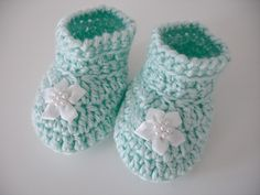 Crochet Baby Bootees Pattern, free.  Also jumper, hat, pants.  Booties_small2