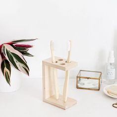 Give your bathroom shelf an upgrade with this minimal, stylish toothbrush holder!