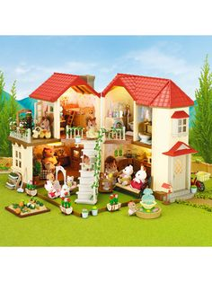 Superb Sylvanian Families Beechwood Hall & Cosy Cottage Gift Set Now At Smyths Toys UK! Buy Online Or Collect At Your Local Smyths Store! We Stock A Great Range Of Sylvanian Families At Great Prices. Sylvanian Families Casa, Toys For Girls, Kids Toys, Calico Critters Families, Toys Uk, Cozy Cottage, Irish Cottage, Dollhouse Miniatures, Townhouse