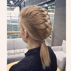 """148 tykkäystä, 7 kommenttia - Heli (@braidingbad) Instagramissa: """"#frenchbraid ed #fauxmohawk into a low #ponytail on @tiiareeta  Style inspired by Varpu…"""""""