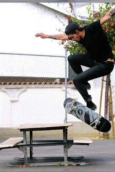 Joy on a skateboard #skateboarding #fun #extremesports http://www.blueprinteyewear.com/